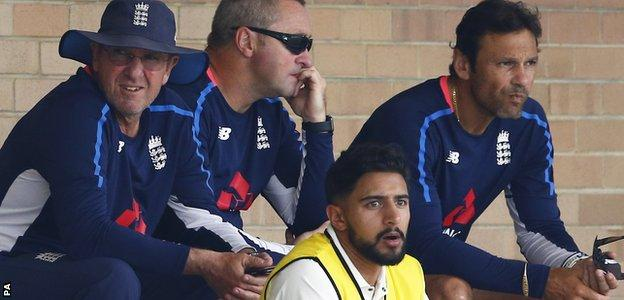 Paul Farbrace, centre, sits with England head coach Trevor Bayliss, left, and batting coach Mark Ramprakash earlier in the tour
