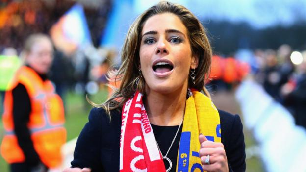 Carolyn Radford: Mansfield chief executive says football is 'full of dinosaurs' thumbnail