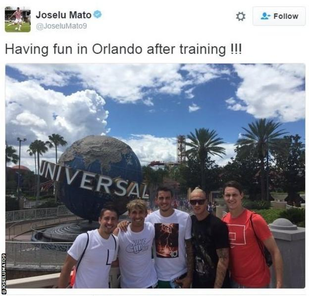 Joselu and Stoke teammates are taking in the sights in Orlando