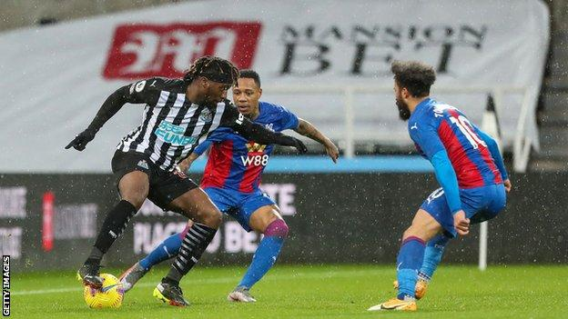 Newcastle oynamak Crystal Palace
