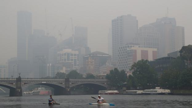 Australian Open practice suspended and qualifying delayed over poor air quality thumbnail