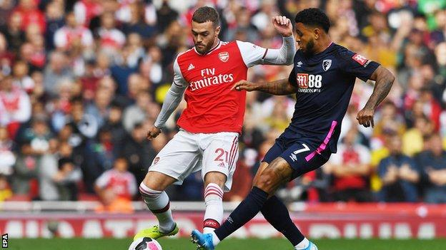 Calum Chambers playing for Arsenal