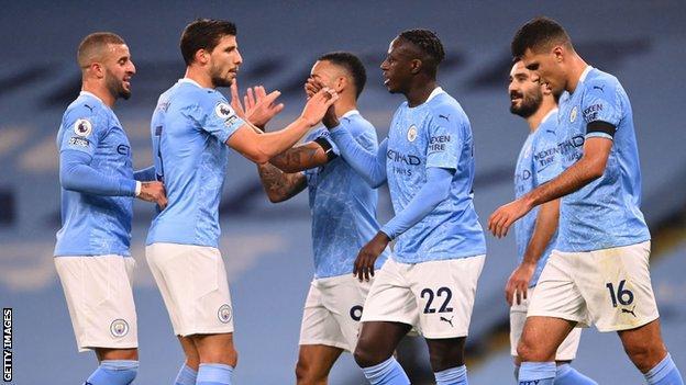 Manchester City oyuncuları kutlar