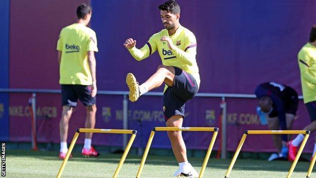 Luis Suarez training for Barcelona