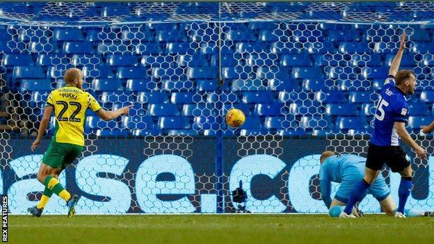 Teemu Pukki scores his second against Sheffield Wednesday