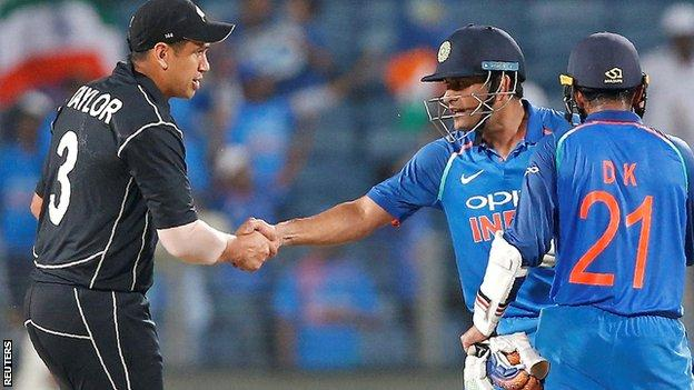 New Zealand's Ross Taylor and India's MS Dhoni