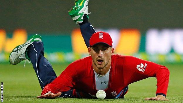 England's Alex Hales drops a catch off Australia's Glenn Maxwell