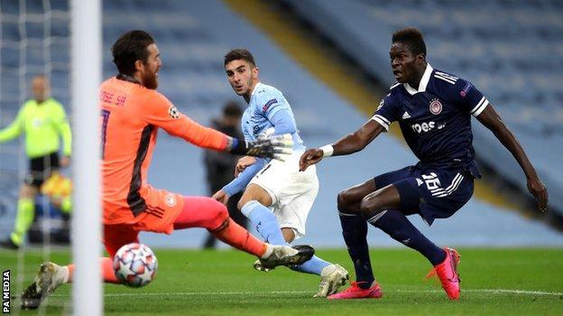 Ferran Torres puts Manchester City ahead