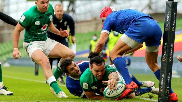 Brice Dulin's last-gasp tackle prevented James Lowe scoring an Ireland try in the first half