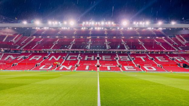 Manchester United apply for permission to install rail seating at Old Trafford thumbnail