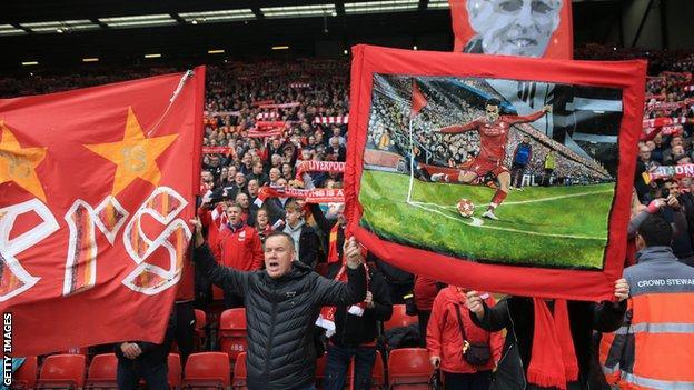 A banner celebrating Liverpool's quick corner against Barcelona