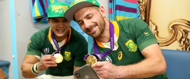 Cheslin Kolbe and Willie Le Roux send snaps of their new neckwear