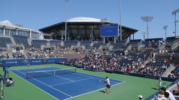 Andy Murray practising in New York