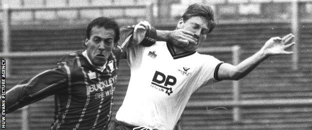 Alan Curtis (left)in action for Cardiff against Swansea in 1987