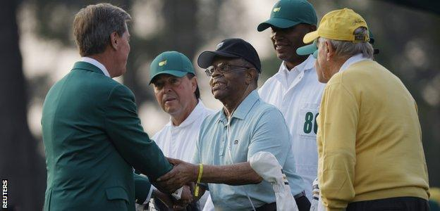 Chairman of Augusta National Golf Club Fred Ridley shakes hands with Lee Elder