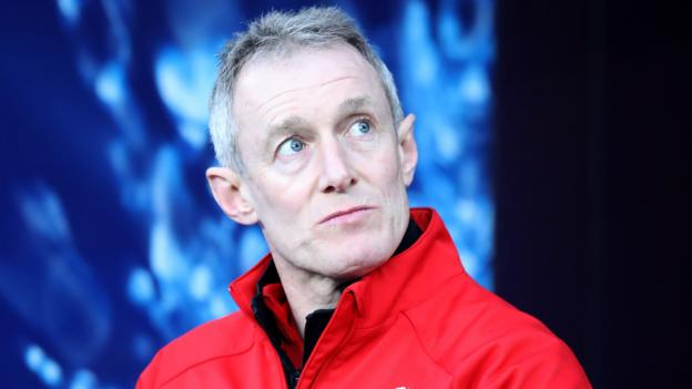 Rob Howley: Ex-Wales backs coach banned for betting breach thumbnail