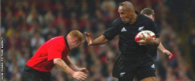 Jonah Lomu in action against Wales in 2002