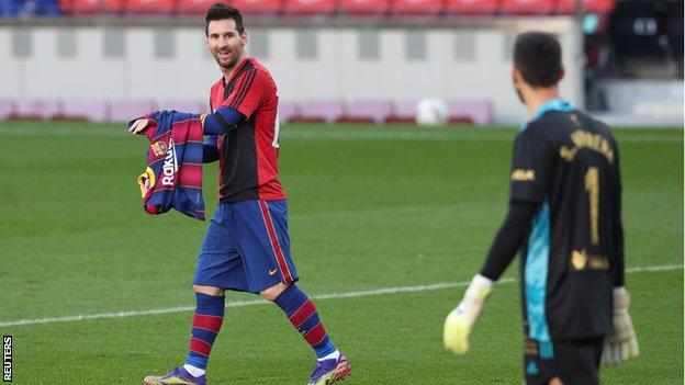 Lionel Messi pays tribute to Diego Maradona after scoring for Barcelona against Osasuna