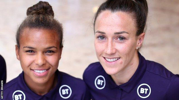 Nikita Parris and Lucy Bronze