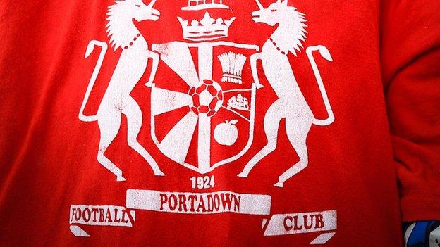 Portadown's club crest