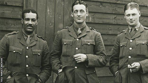 Walter Tull with fellow soldiers during World War One