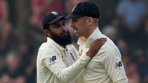 Sri Lanka v England: Tourists' spinners need more consistency to seal win - Jonathan Agnew thumbnail
