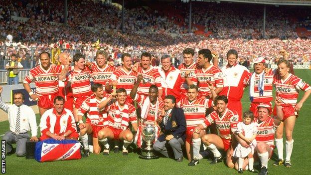 Wigan win the Challenge Cup in 1990 at Wembley