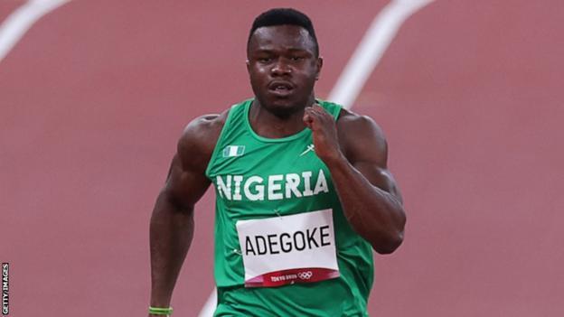 Nigērijas sprinteris Enohs Degoke Tokijas olimpiskajās spēlēs