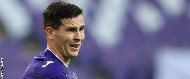 Cullen made 30 appearances during his first season with Anderlecht