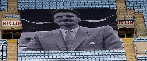 Jimmy Hill tribute at Ricoh Arena