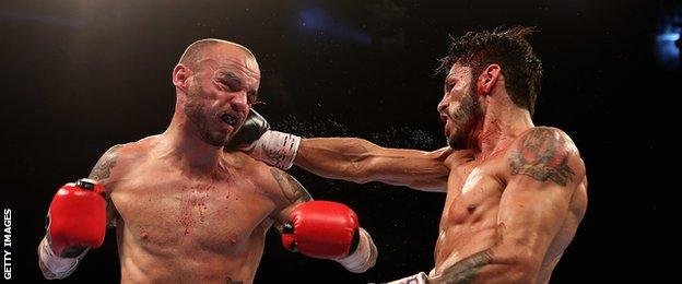 Kevin Mitchell and Jorge Linares