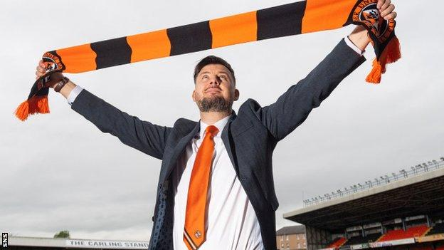 Dundee United head coach Tam Courts