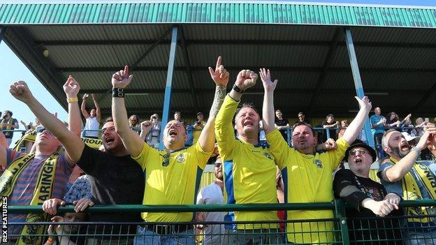 Haringey Borough fans