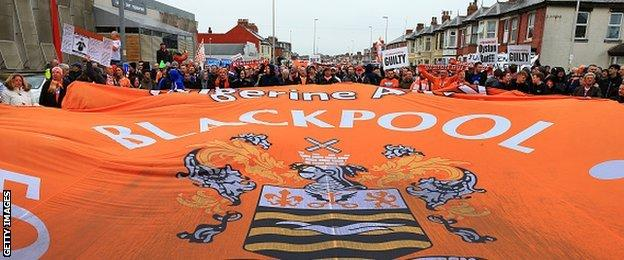 Blackpool fans protest march