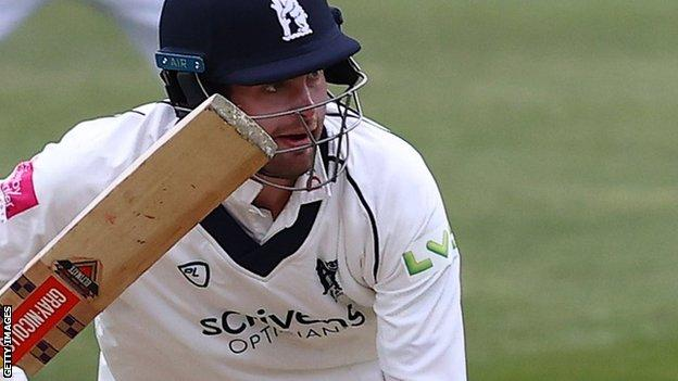 Dom Sibley in action for Warwickshire