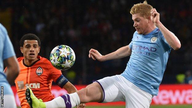 Kevin de Bruyne (right)