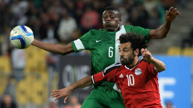 Egypt's Mohamed Saleh (right) and Nigeria's Stanley Amuzie