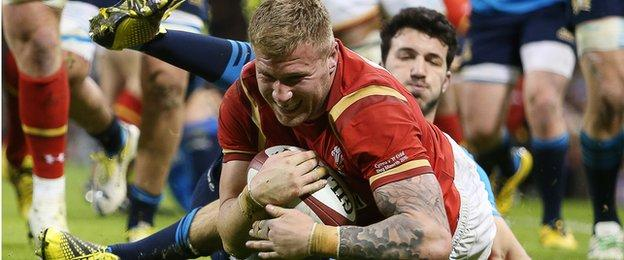 Gloucester flanker Ross Moriarty scores for Wales v Italy