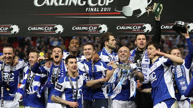 Birmingham lift the 2011 League Cup