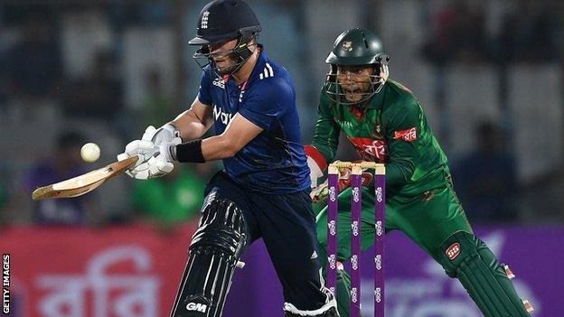 Ben Duckett in action in Chittagong