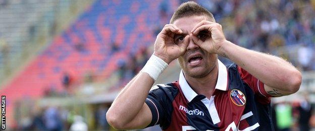 Anthony Mounier celebrates scoring against Frosinone