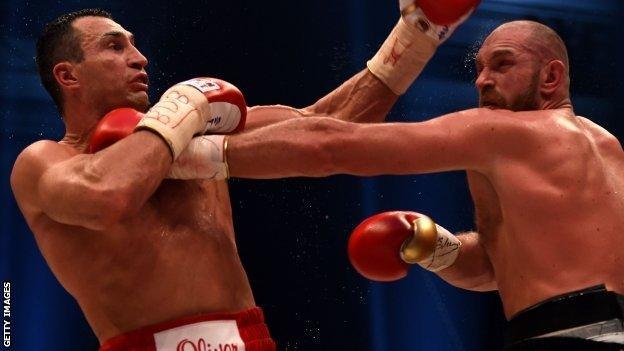 Tyson Fury (right) and Wladimir Klitschko (left)