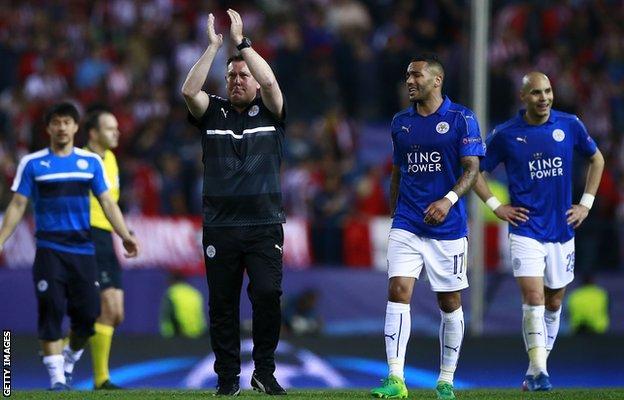 Craig Shakespeare applauds Leicester fans