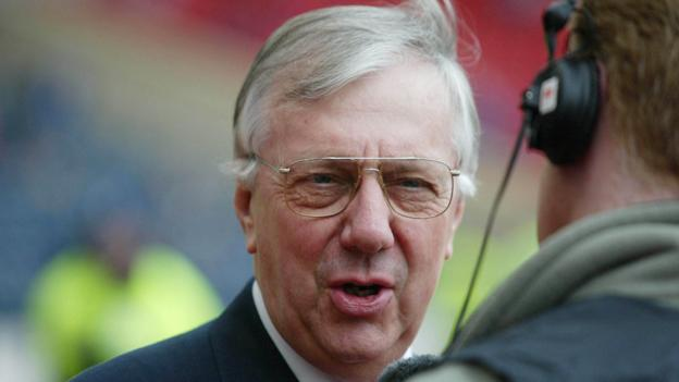 Bill Barr: Ayr United pay tribute as former chairman dies thumbnail