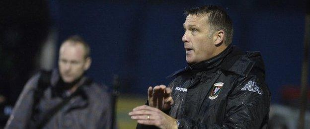 Alan Kernaghan succeeded Eddie Patterson as manager of Glentoran