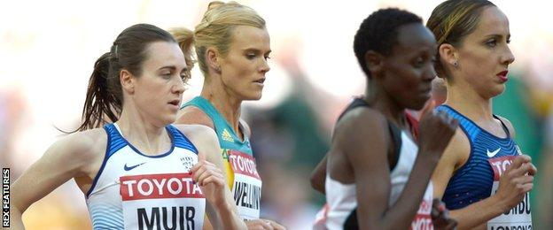 Laura Muir (left) in 5,000m action in London