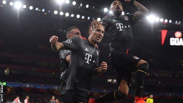 Arjen Robben scores for Bayern Munich against Arsenal