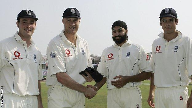 Andrew Flintoff presents first caps to Ian Blackwell, Monty Panesar and Alastair Cook