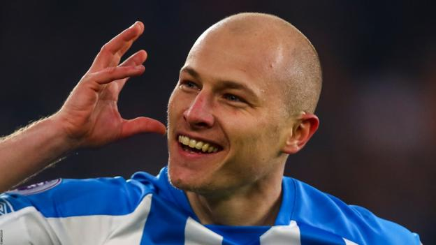 Wolverhampton Wanderers 0-2 Huddersfield Town: Mooy double lifts Terriers off the bottom thumbnail