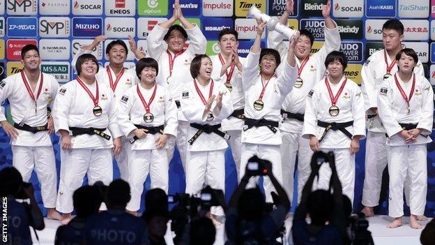 Japan's mixed Judo team at the 2019 World Championships